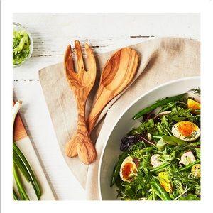 Sur La Table NWT Italian Olivewood Salad Hands